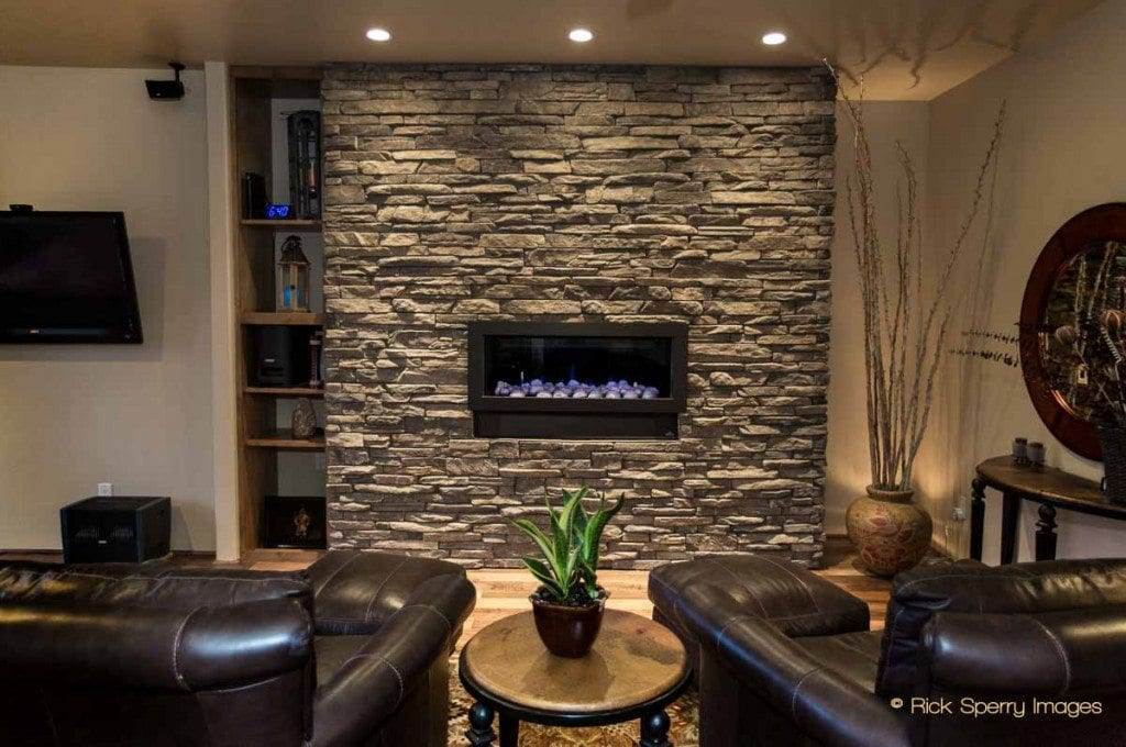 Sedona homes with fireplace