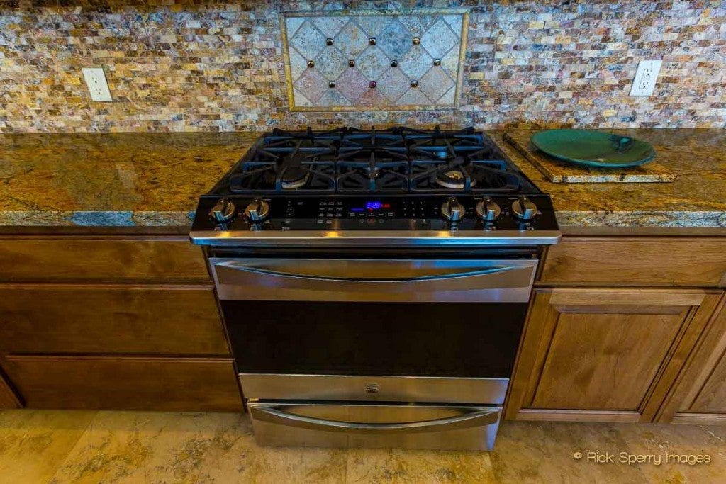 West Sedona high tech gas stove and oven