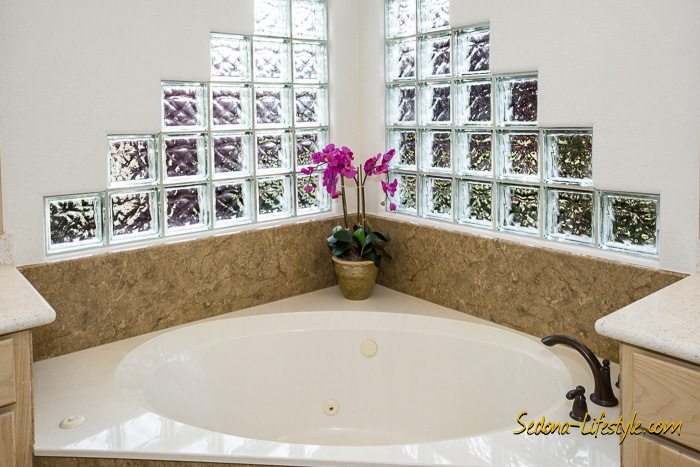 master bath in Chapel area of Sedona home for sale