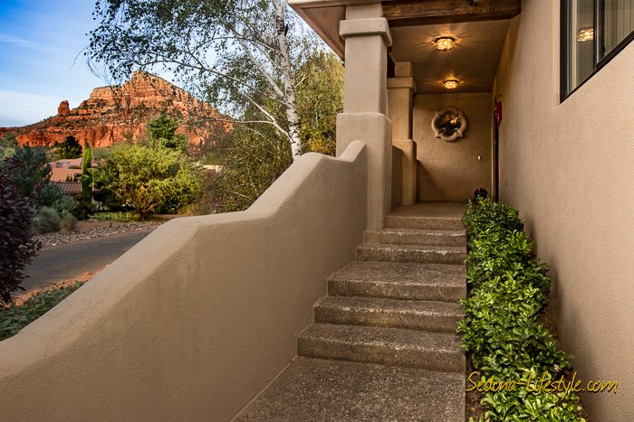Indian Cliffs Entry New Listing - Chapel area Sedona home for sale