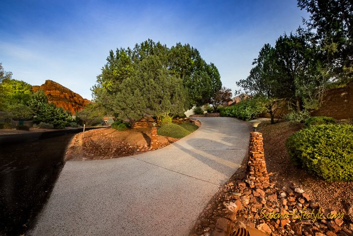 Indian Cliffs private driveway