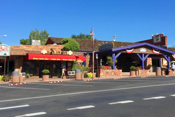 "The Charm of ""Uptown"" Sedona and the Restaurants!"