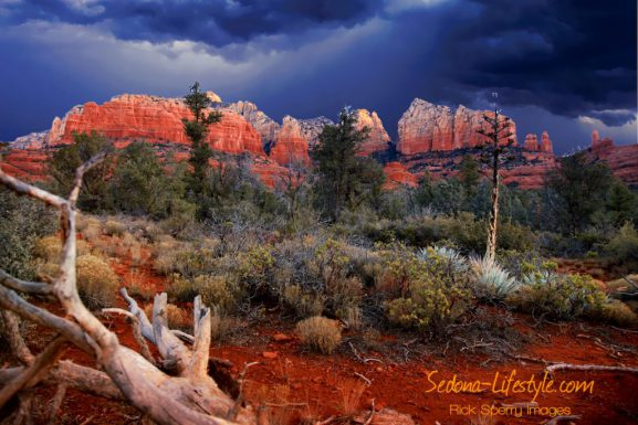 Hiking Jordon Park Uptown Sedona Arizona 86336