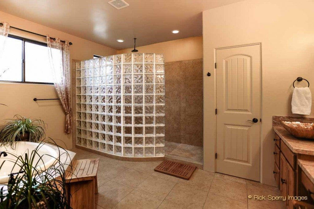 Sedona homes walk in shower