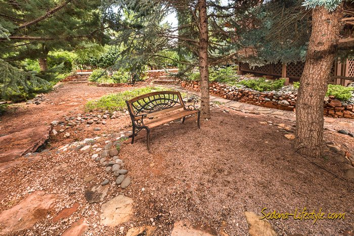 West Sedona homes with meditation or sitting areas