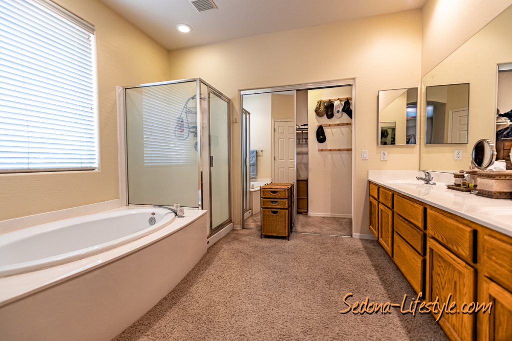 5 piece bath Sedona Golf Resort home offered by Sheri Sperry