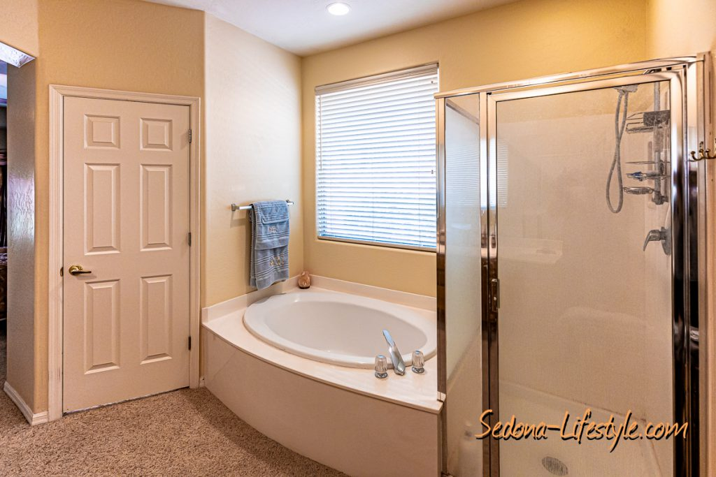 tub and shower Sedona Golf Resort home offered by Sheri Sperry
