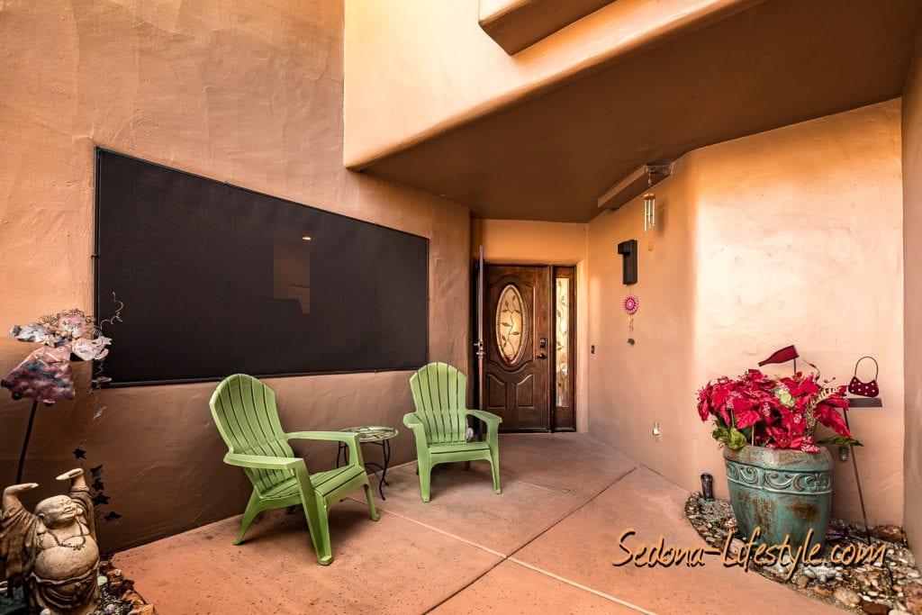 Front Courtyard - 1406 Vista Montana - Sheri Sperry SellSedona.com Coldwell Banker