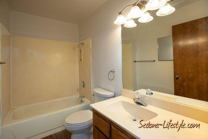 Guest Bath - Townhouse for sale